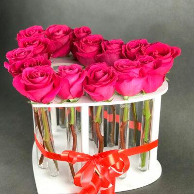 "Композиция ваза-сердце ""LOVE"""